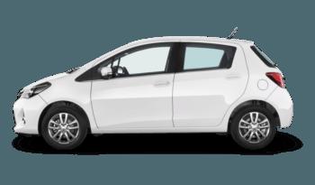 TOYOTA YARIS 1.5 Hybrid Business completo